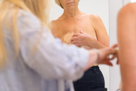 Eve-Borstprotheses_aanmeten-van-borstprotheses-maak-haarlem